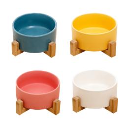 Mixed coloured bowls